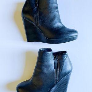 Torrid Vegan Leather Side Zip Wedge Heels Booties Black Size 11 Wide